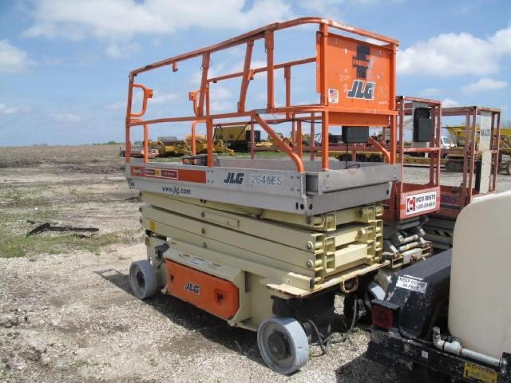 Detail photo of 2004 JLG 2646ES from Construction Equipment Guide