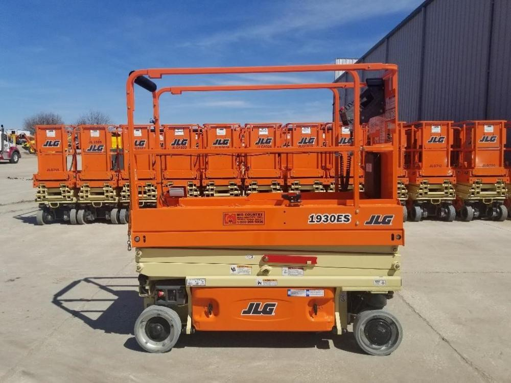 Detail photo of 2019 JLG 1930ES from Construction Equipment Guide