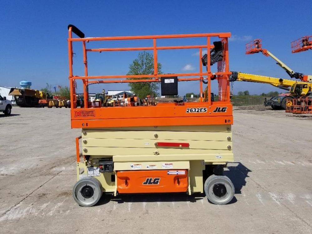 Detail photo of 2018 JLG 2632ES from Construction Equipment Guide