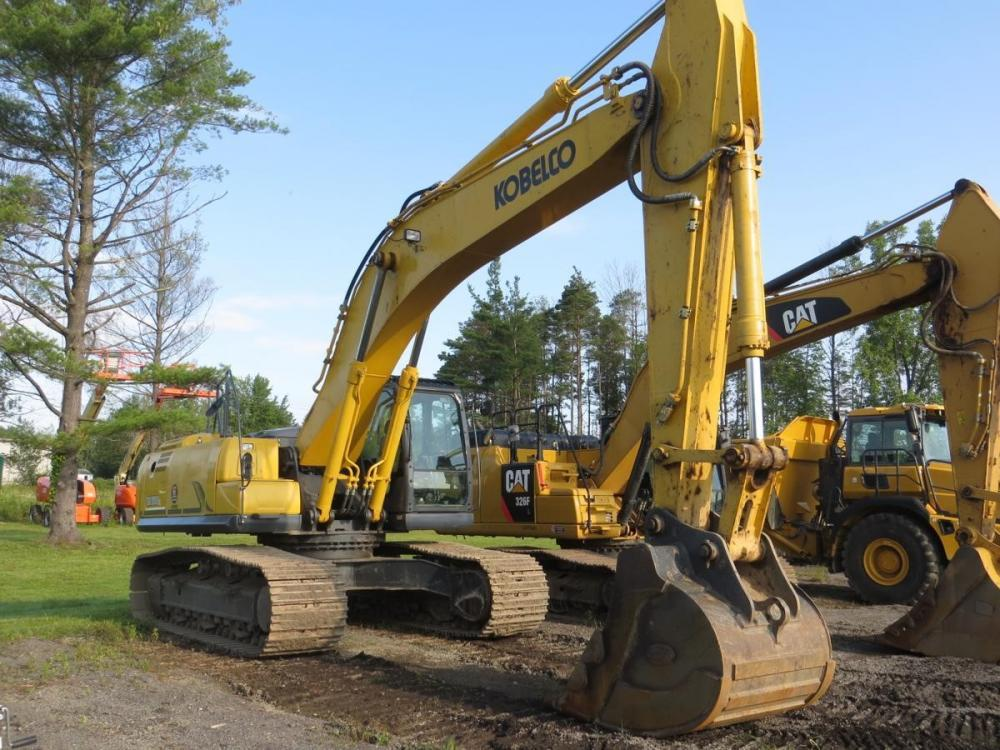 Detail photo of 2015 Kobelco SK350 LC-10 from Construction Equipment Guide