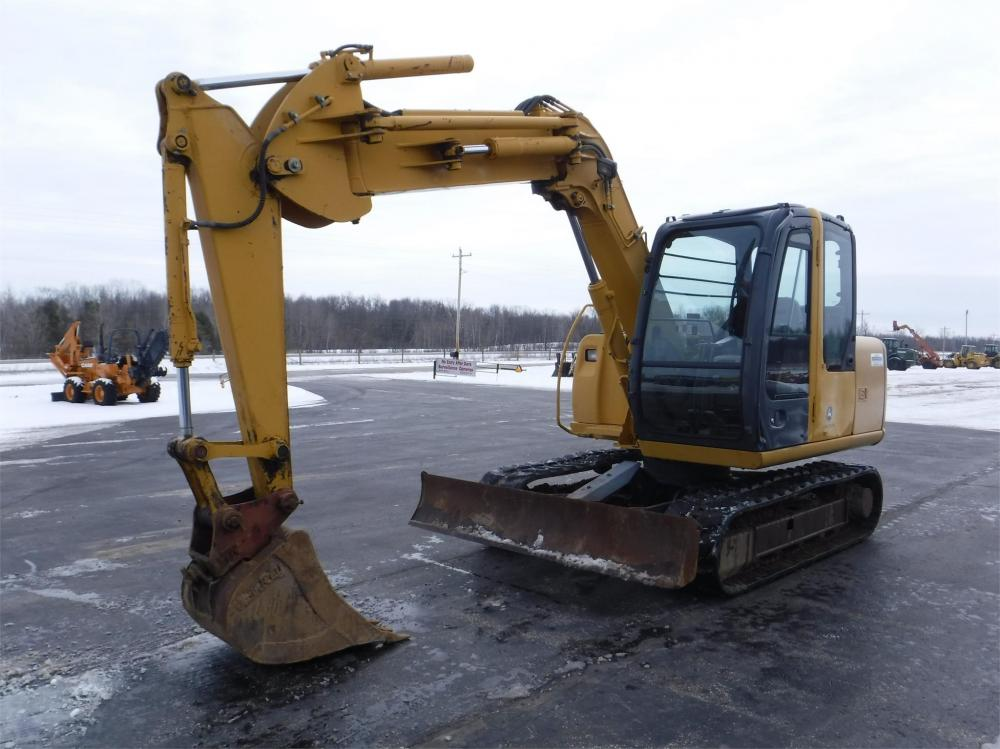 Detail photo of 2009 John Deere 80C from Construction Equipment Guide