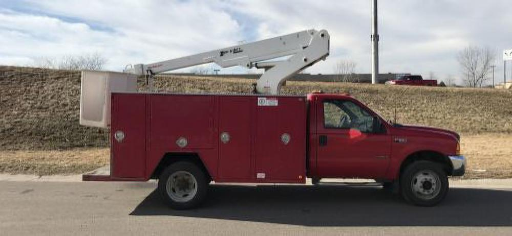 Detail photo of 2000 Ford F550 from Construction Equipment Guide
