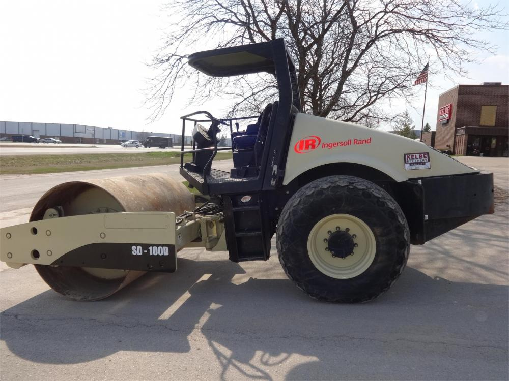 Detail photo of 2007 Ingersoll Rand SD100D from Construction Equipment Guide
