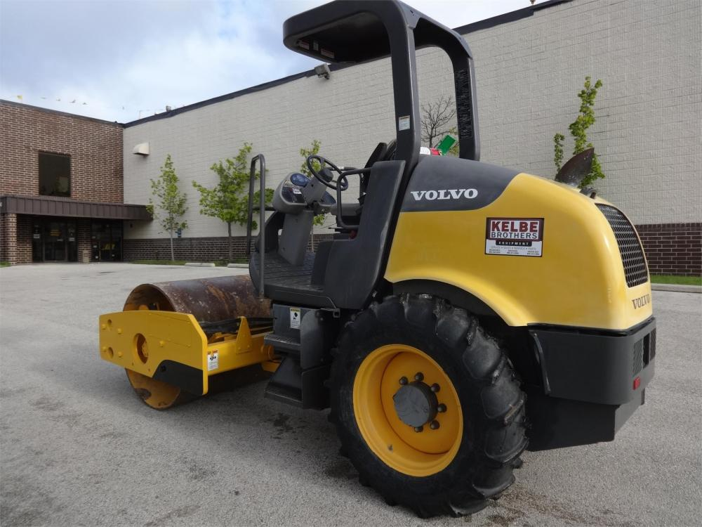 Detail photo of 2011 Volvo SD45D from Construction Equipment Guide