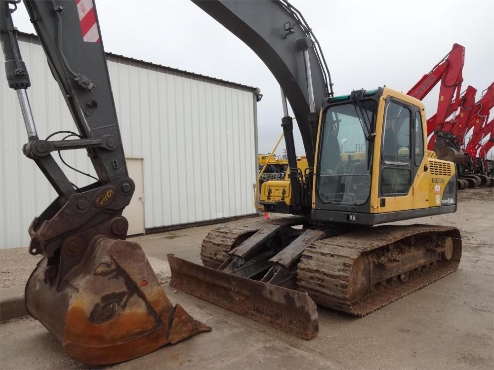 Detail photo of 2004 Volvo EC160B LC from Construction Equipment Guide