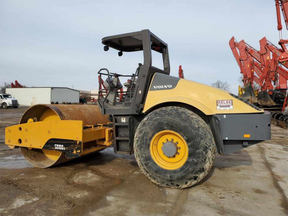 Detail photo of 2012 Volvo SD100D from Construction Equipment Guide