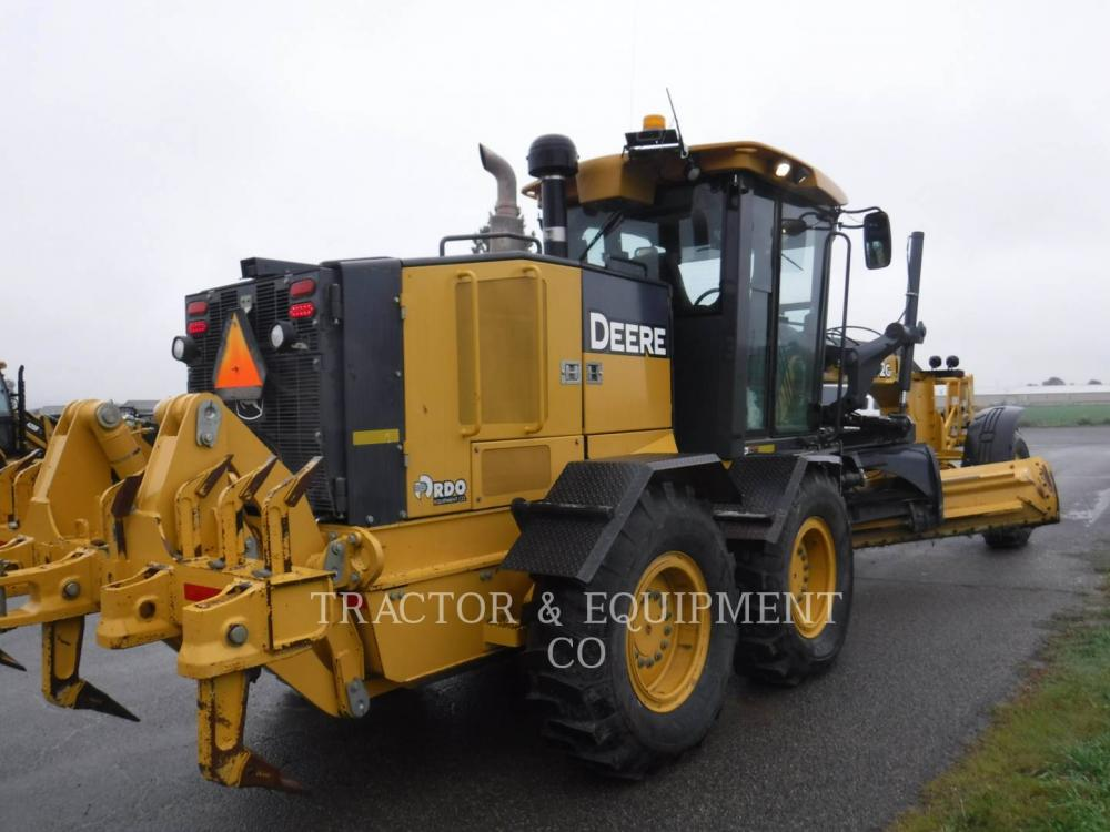 Detail photo of 2009 John Deere 772G from Construction Equipment Guide