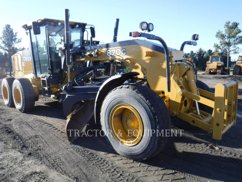 Detail photo of 2010 John Deere 870G from Construction Equipment Guide