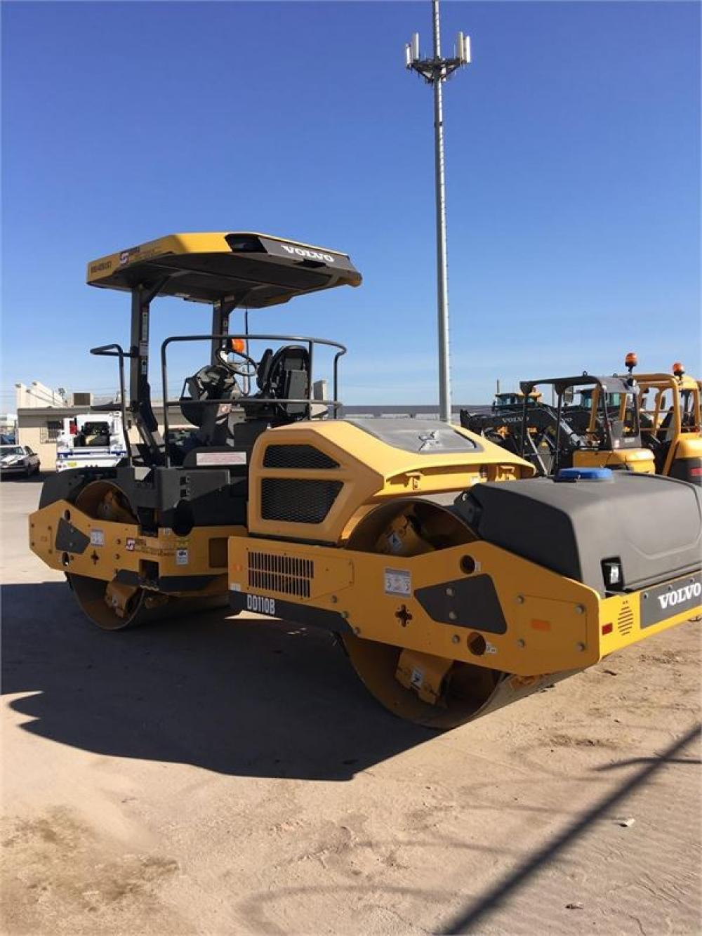 Detail photo of 2014 Volvo DD110B from Construction Equipment Guide