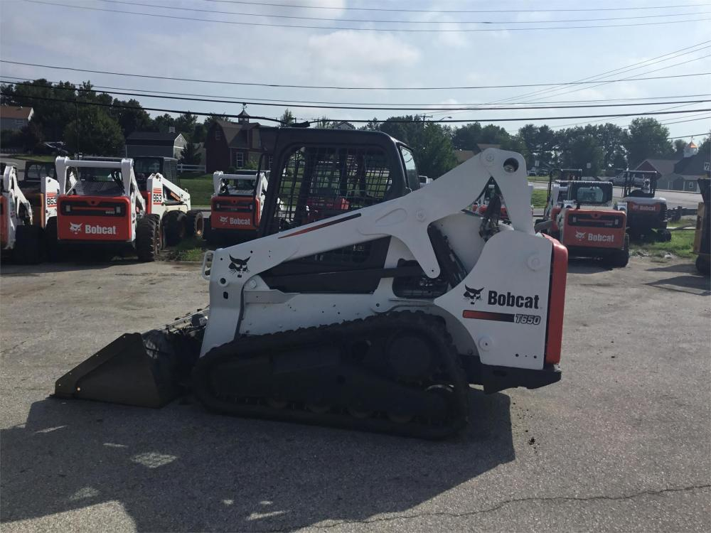Detail photo of 2009 Bobcat T650 from Construction Equipment Guide