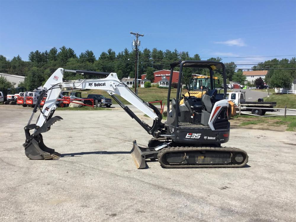 Detail photo of 2017 Bobcat E35I from Construction Equipment Guide