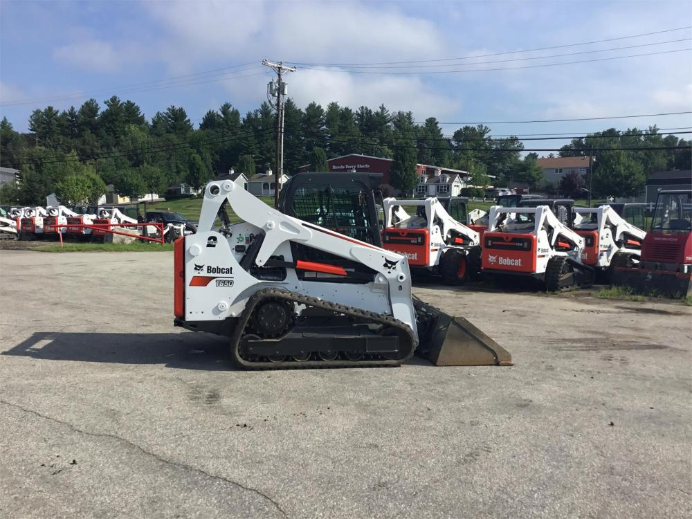 Detail photo of 2015 Bobcat T650 from Construction Equipment Guide