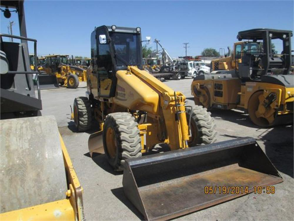 Detail photo of 2010 Mauldin M413XT from Construction Equipment Guide