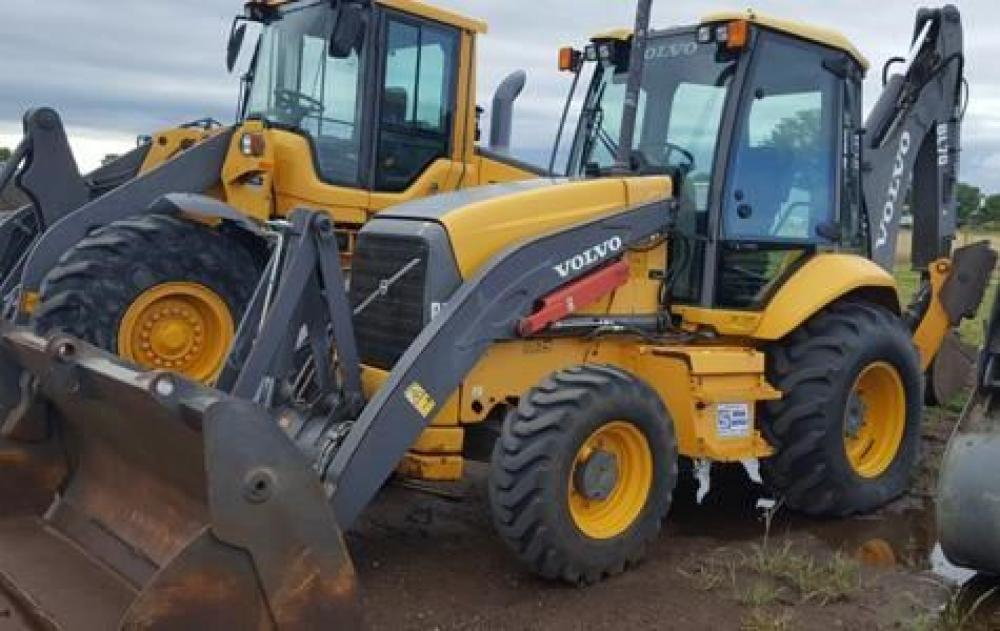 Detail photo of 2008 Volvo BL70 from Construction Equipment Guide