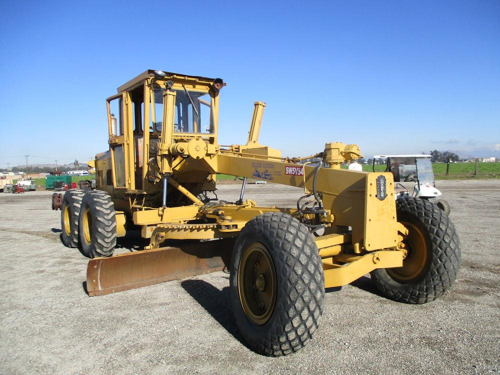 Detail photo of 0 Champion 560 from Construction Equipment Guide
