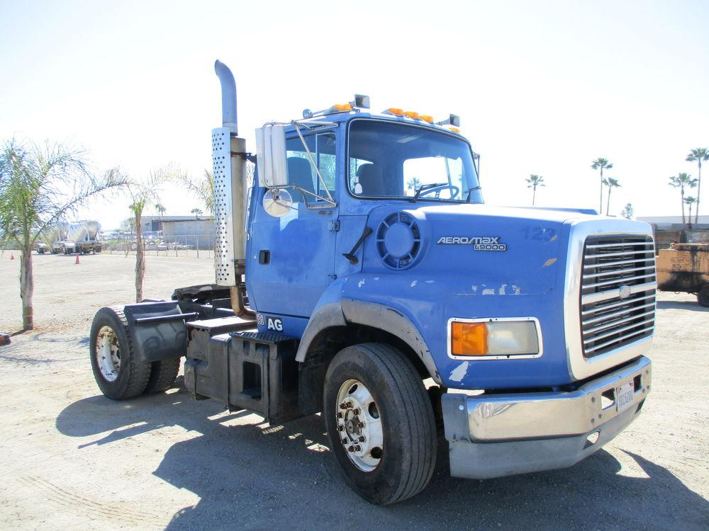 Detail photo of 1995 Ford L9000 AERO MAX from Construction Equipment Guide