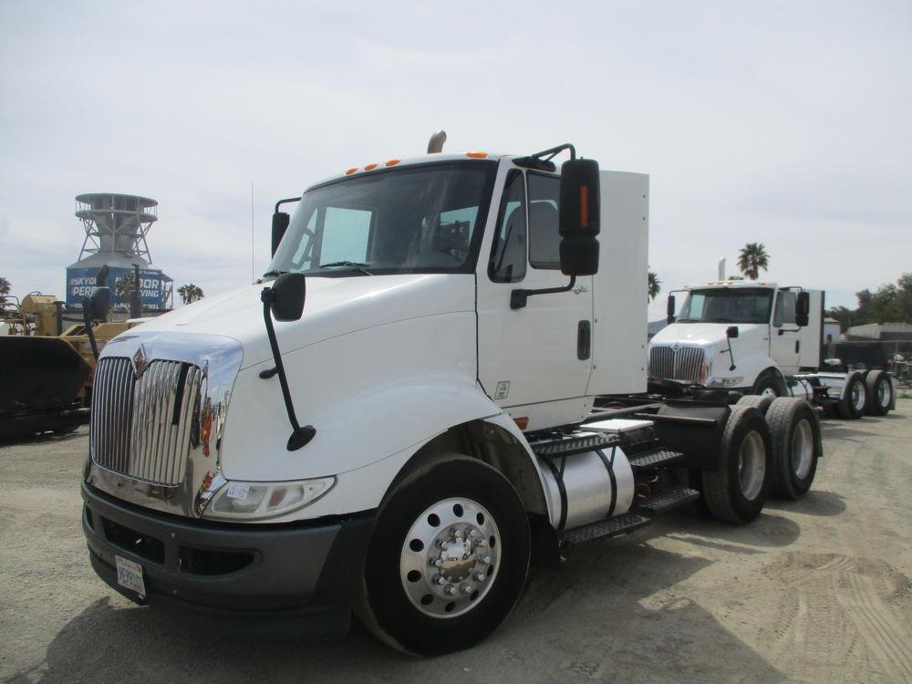 Detail photo of 2011 International 8600 from Construction Equipment Guide