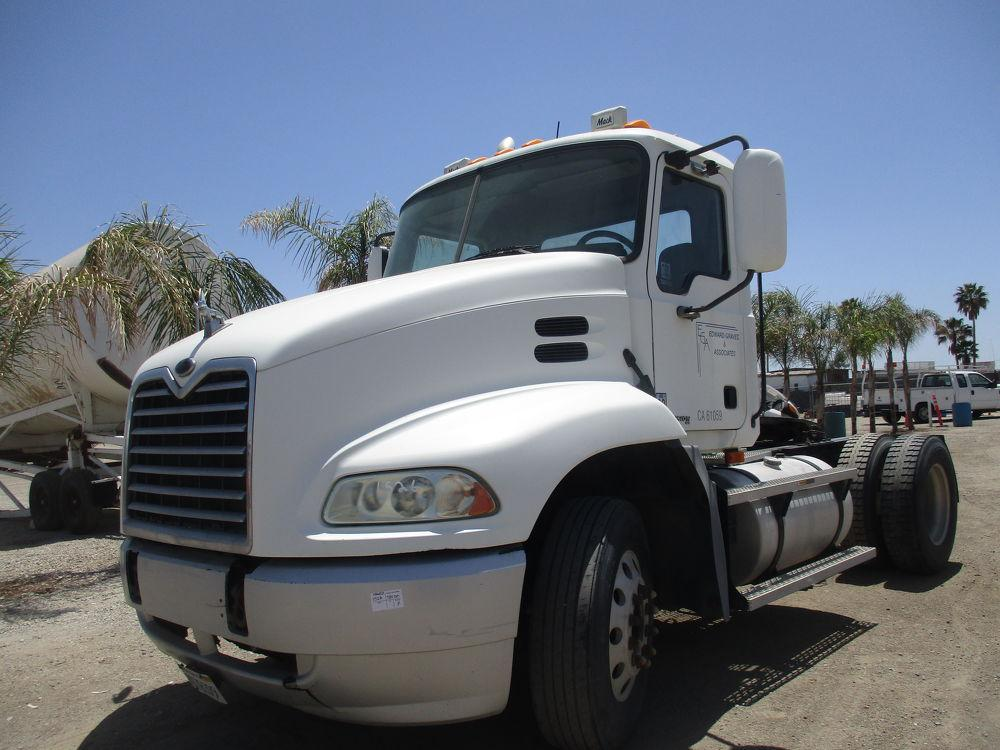 Detail photo of 2004 Mack CX612 VISION from Construction Equipment Guide