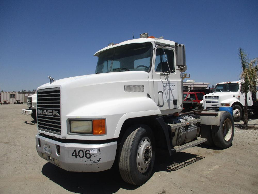Detail photo of 1994 Mack CH612 from Construction Equipment Guide