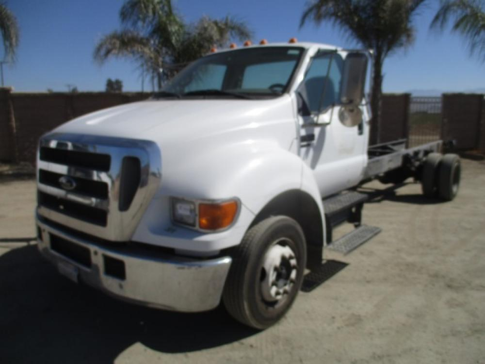 Detail photo of 2004 Ford F650 from Construction Equipment Guide