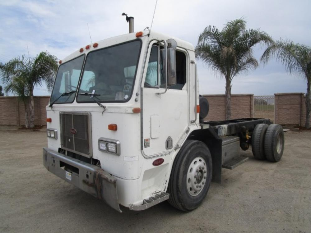Detail photo of 0 Peterbilt 320 from Construction Equipment Guide