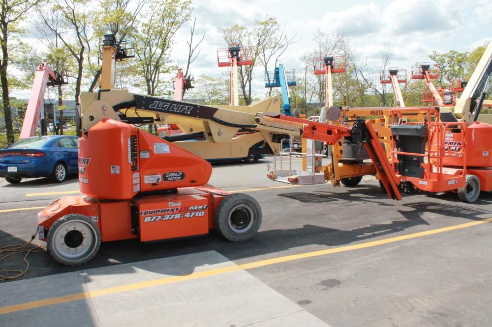 Detail photo of 2015 JLG E400AJP from Construction Equipment Guide