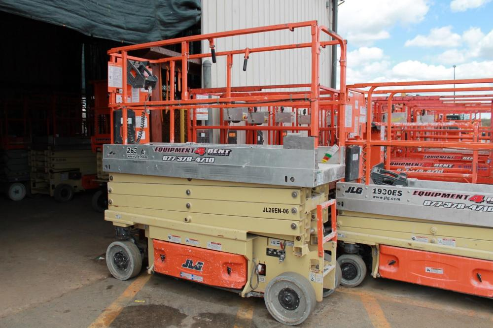 Detail photo of 2014 JLG 2630ES from Construction Equipment Guide