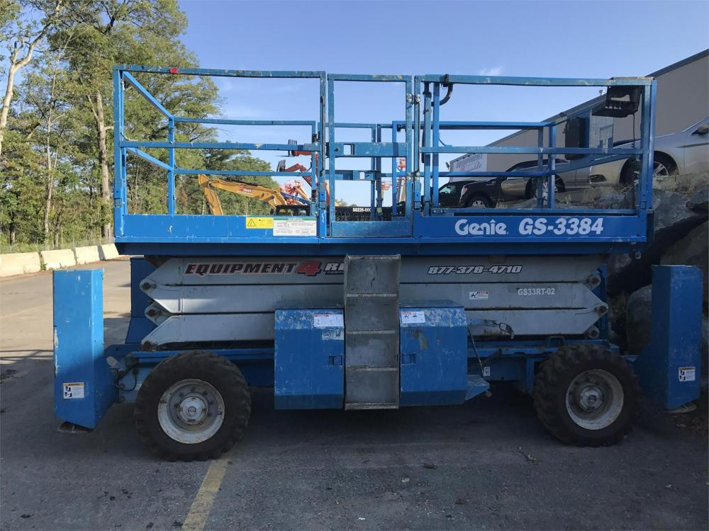 Detail photo of 2004 Genie GS-3384RT from Construction Equipment Guide
