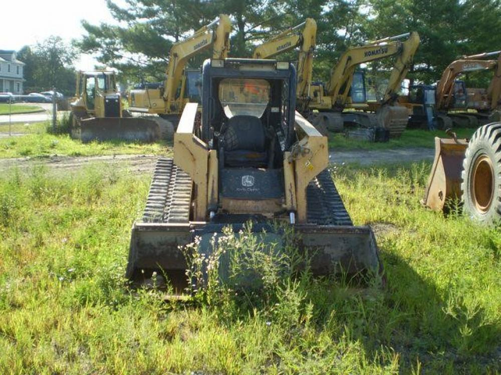 Detail photo of  John Deere CT332 from Construction Equipment Guide