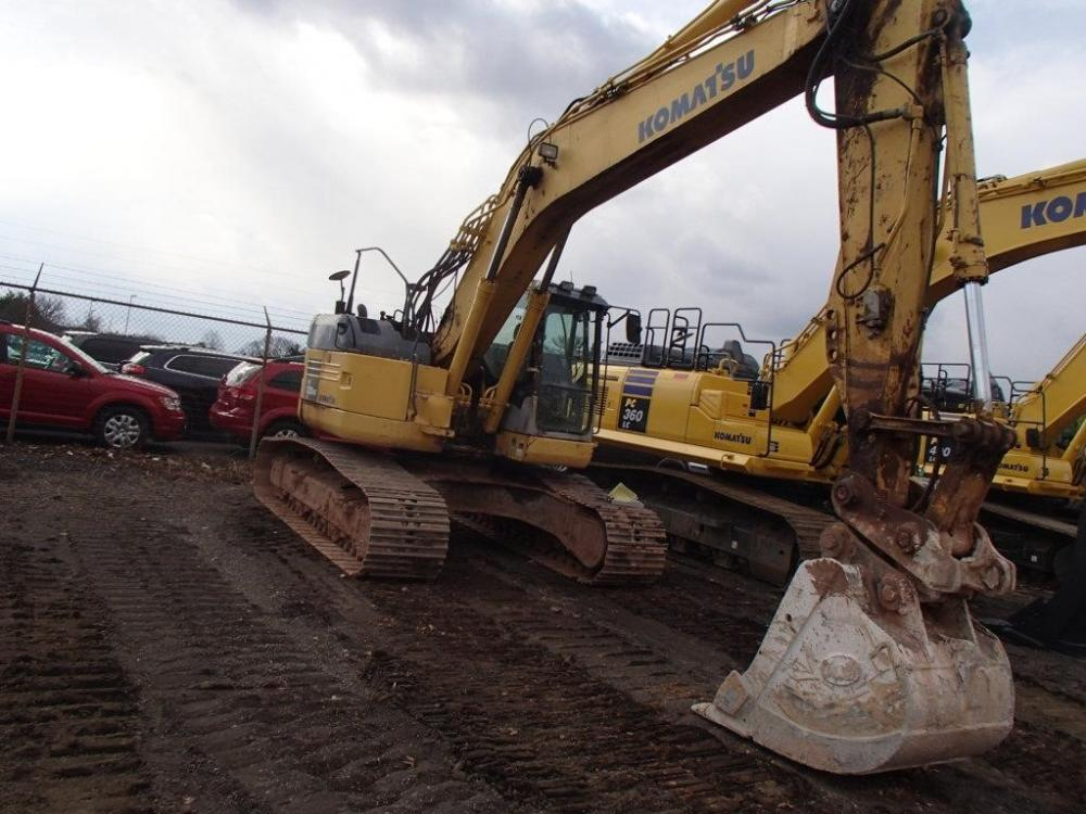 Detail photo of 2007 Komatsu PC228USLC-3 from Construction Equipment Guide