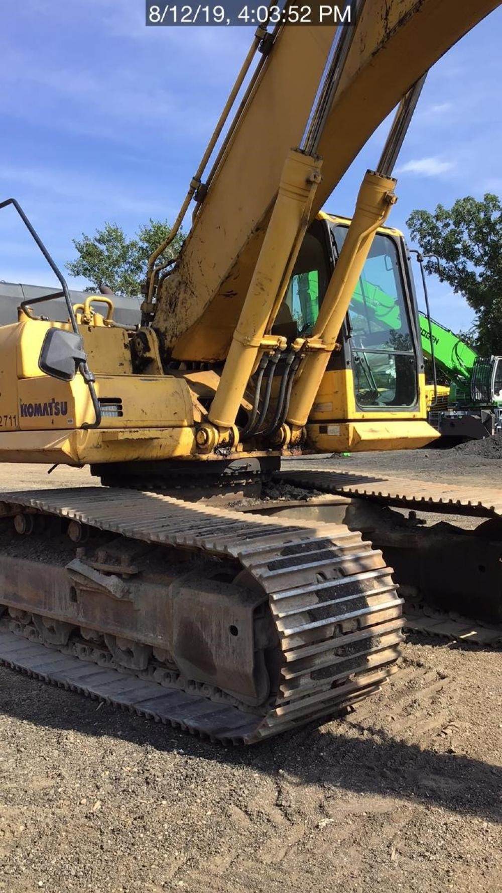 Detail photo of 2011 Komatsu PC450LC-8 from Construction Equipment Guide