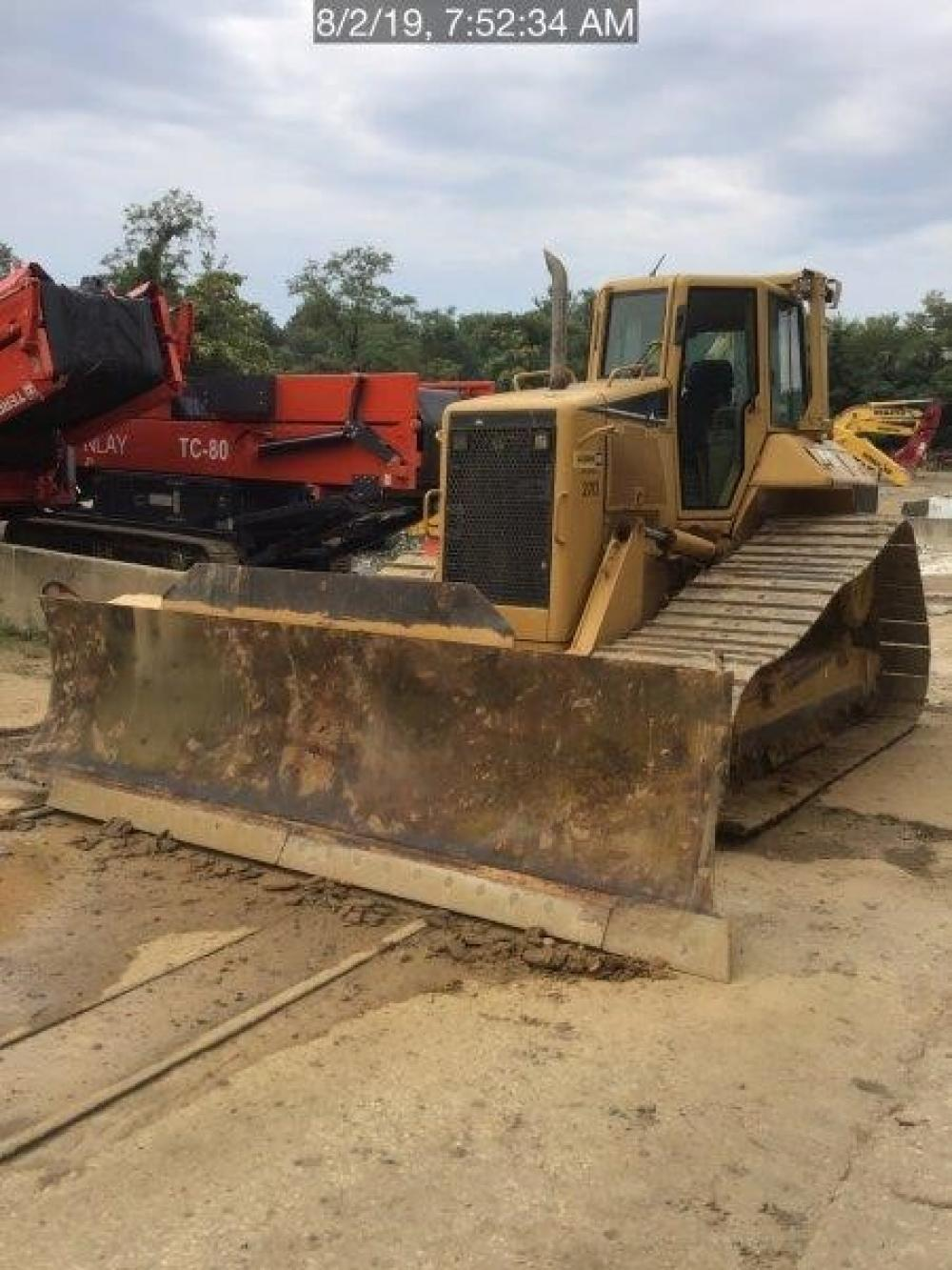 Detail photo of 2006 Caterpillar D6N LGP from Construction Equipment Guide