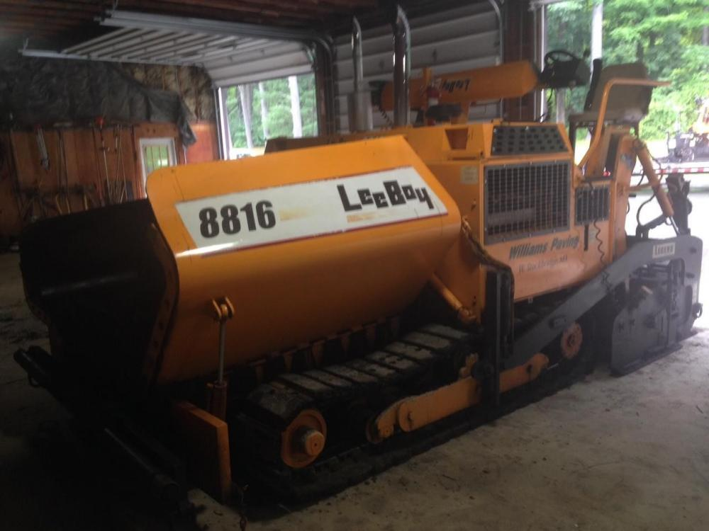 Detail photo of 2004 LeeBoy 8816 from Construction Equipment Guide