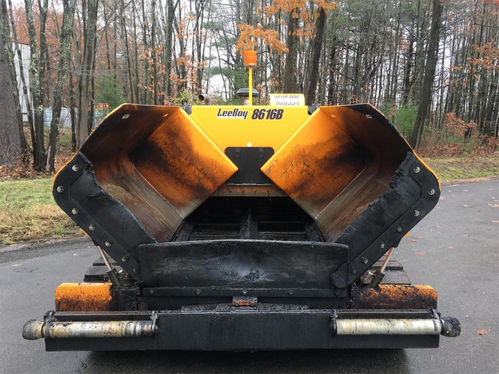 Detail photo of 2016 LeeBoy 8616B from Construction Equipment Guide