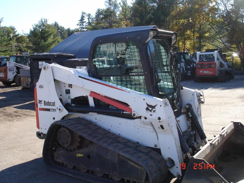 Detail photo of 2015 Bobcat T630 from Construction Equipment Guide
