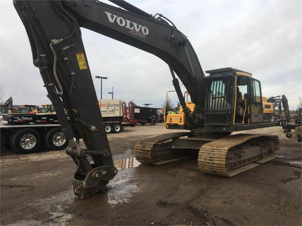 Detail photo of 2013 Volvo EC300DL from Construction Equipment Guide