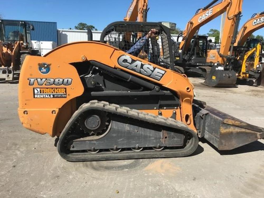 Detail photo of 2014 Case TV380 from Construction Equipment Guide