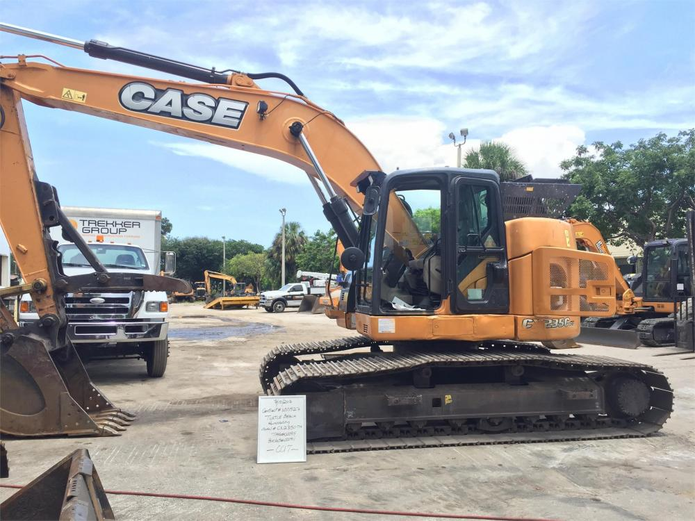 Detail photo of 2014 Case CX235C from Construction Equipment Guide