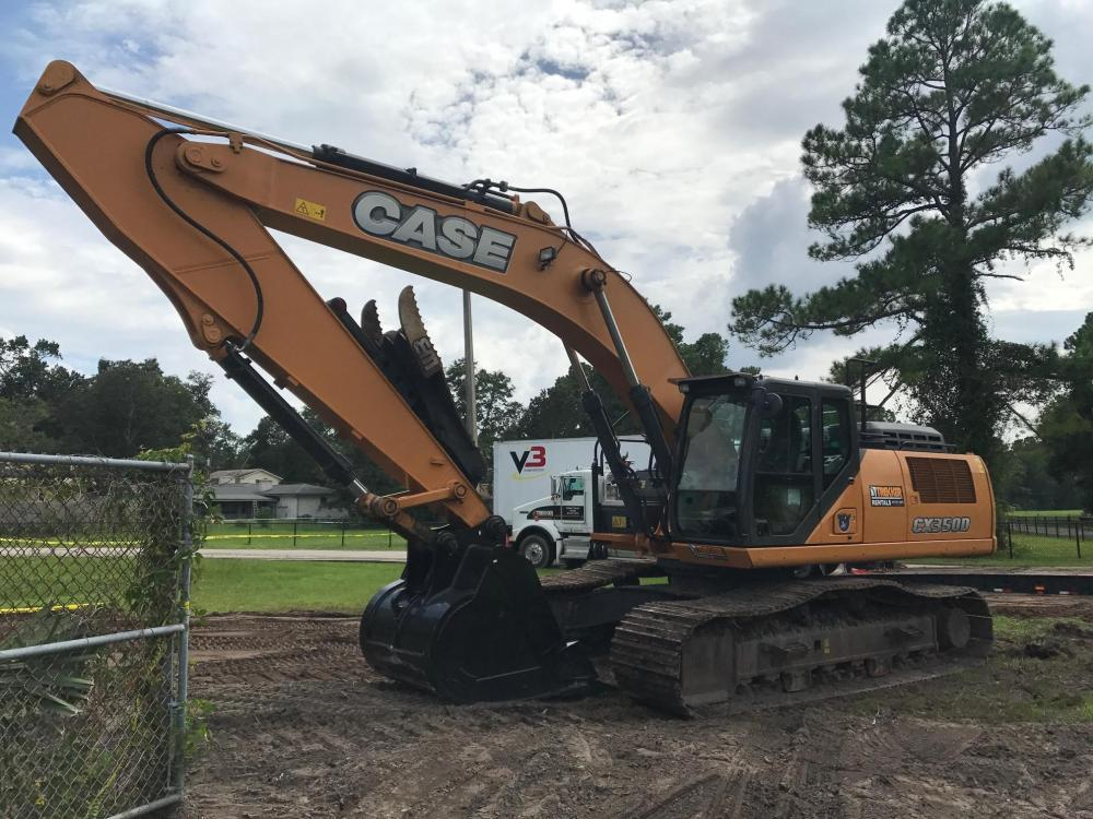 Detail photo of 2015 Case CX350D from Construction Equipment Guide