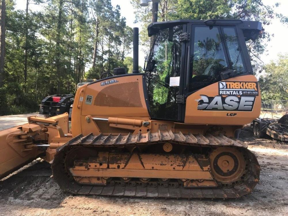 Detail photo of 2014 Case 650L WT from Construction Equipment Guide