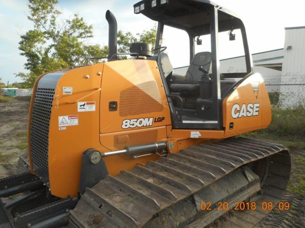 Detail photo of 2017 Case 850M from Construction Equipment Guide