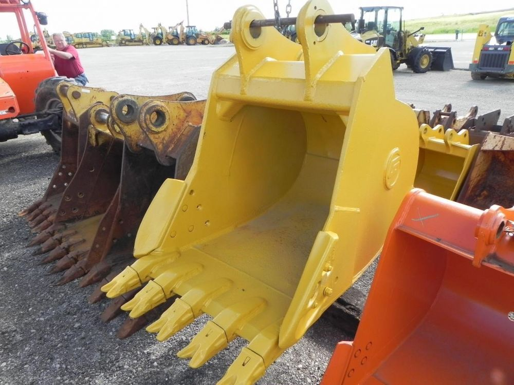 Detail photo of  John Deere DEERE 36 IN. 200D from Construction Equipment Guide