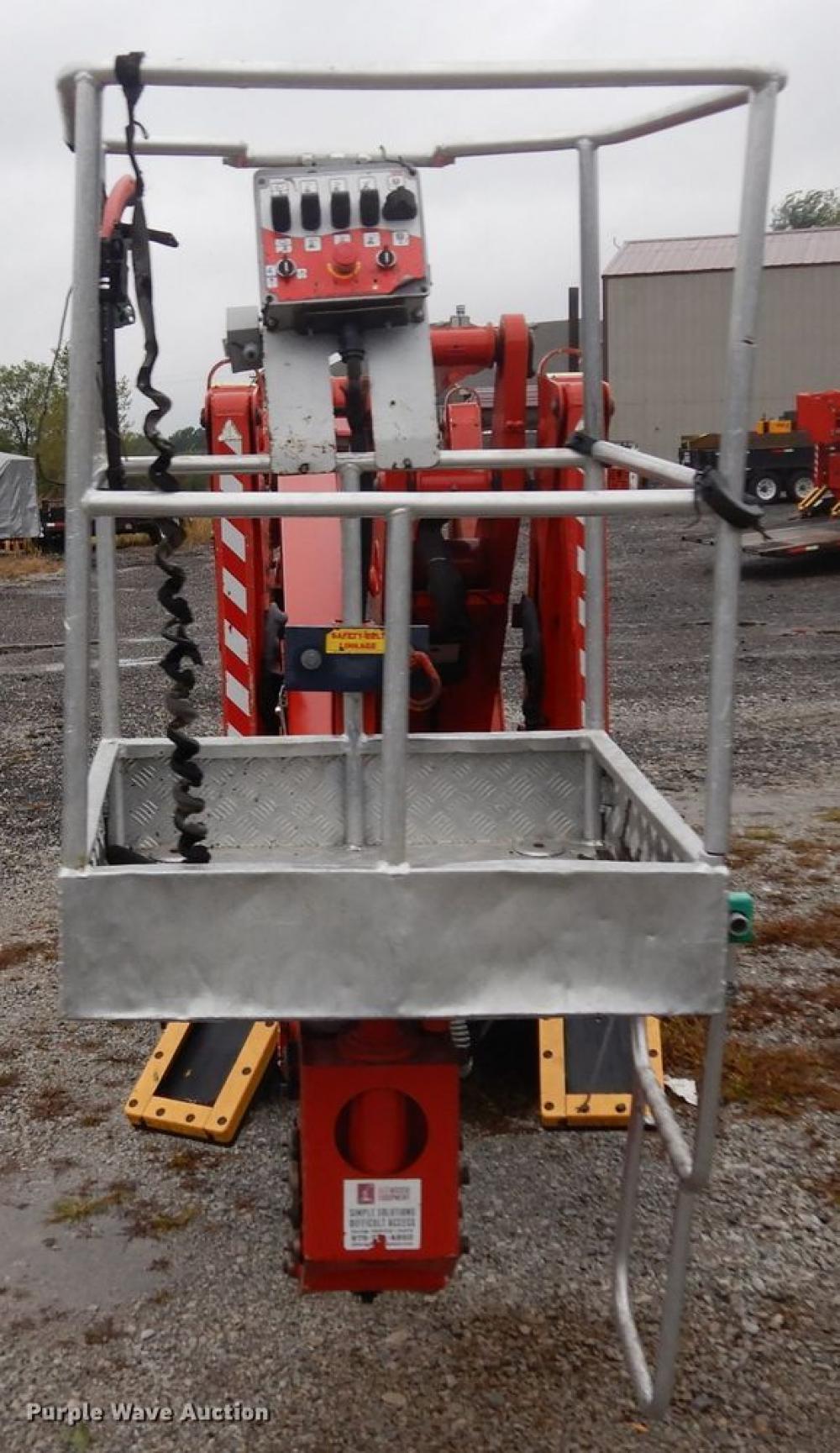 Detail photo of 2015 CMC S19 from Construction Equipment Guide