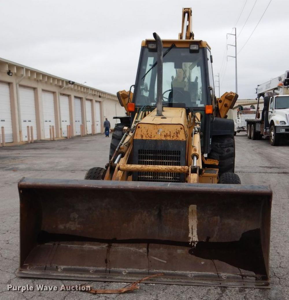 Detail photo of 0 Ford 555D from Construction Equipment Guide