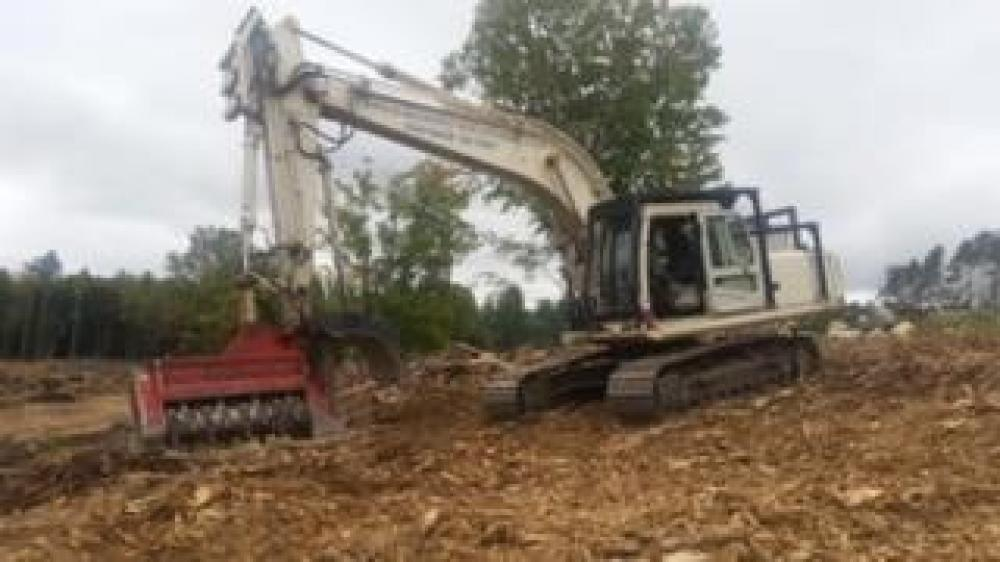 Detail photo of 2004 Hyundai ROBEX 210 LC-7 from Construction Equipment Guide