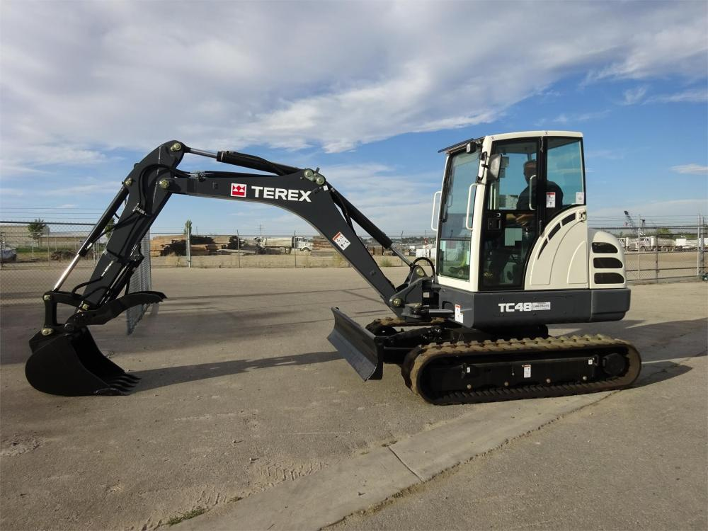 Detail photo of 2015 Terex TC48 from Construction Equipment Guide