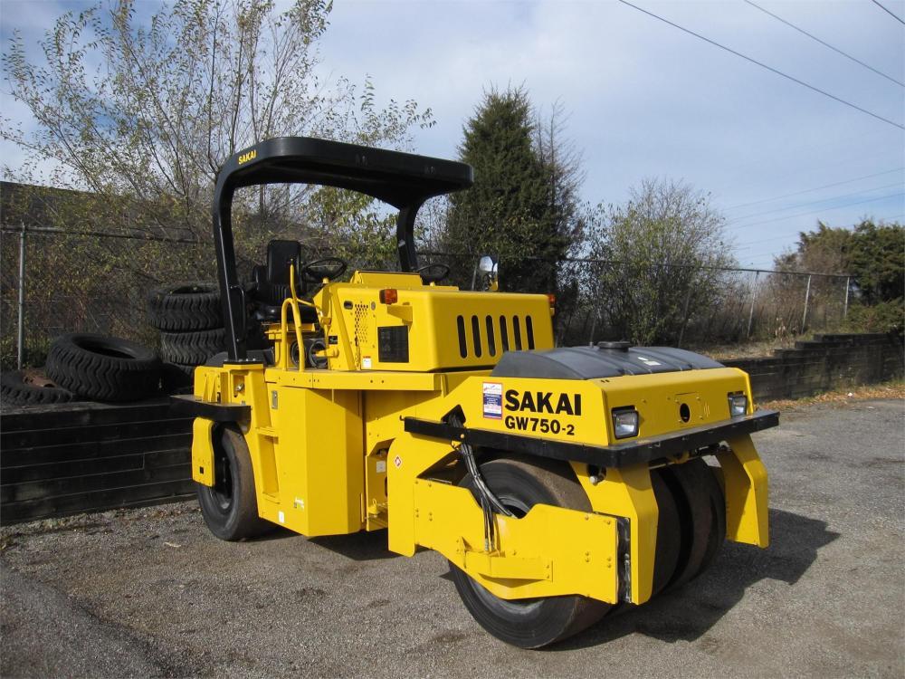 Detail photo of 2014 Sakai GW750 II from Construction Equipment Guide