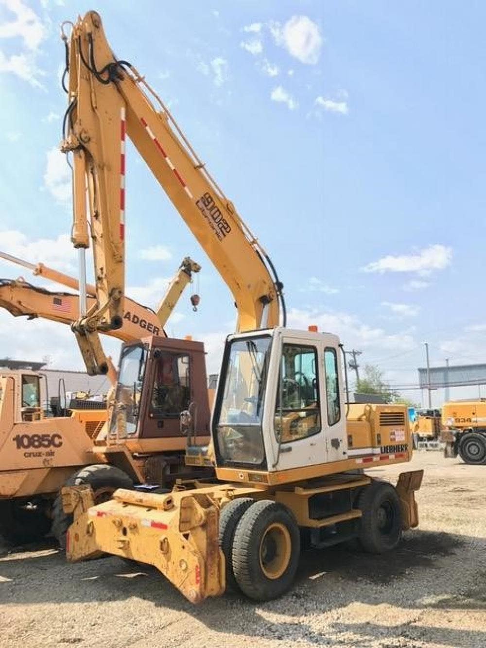 Detail photo of 1998 Liebherr A902 LITRONIC from Construction Equipment Guide