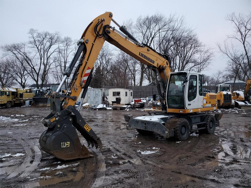 Detail photo of 2016 Liebherr A904C LITRONIC from Construction Equipment Guide