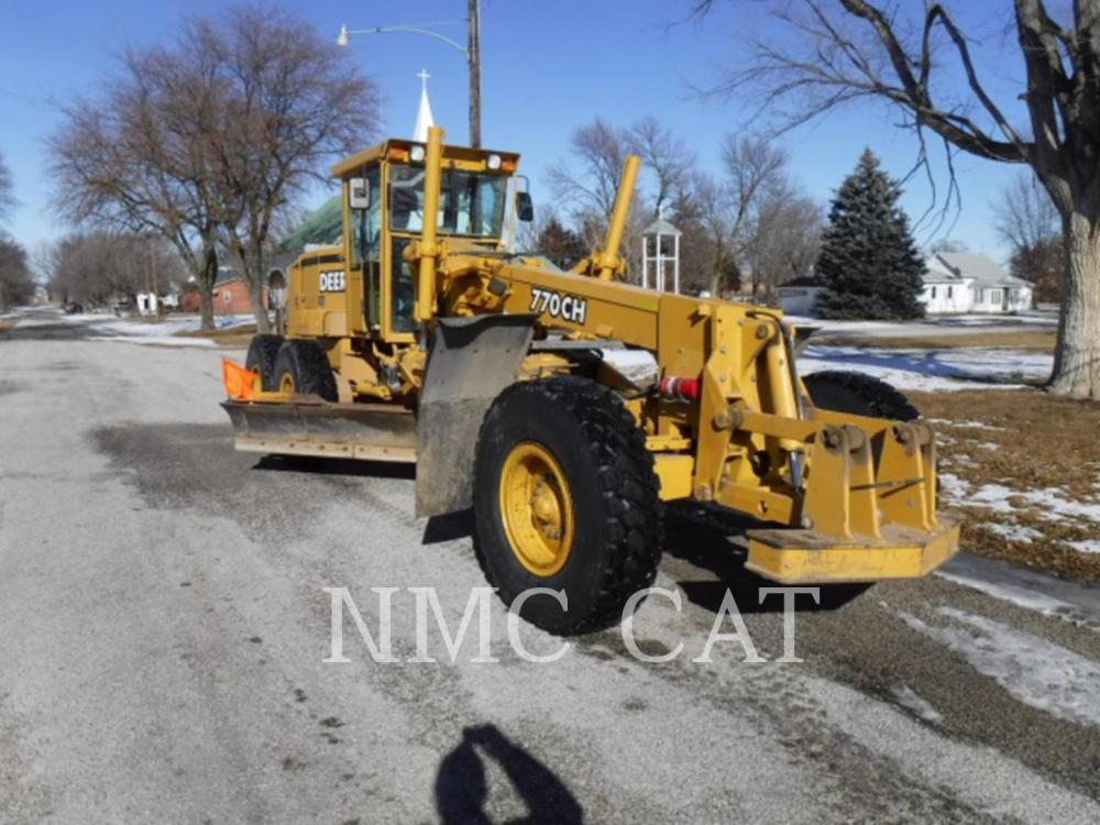 Detail photo of 1999 John Deere 770CH from Construction Equipment Guide